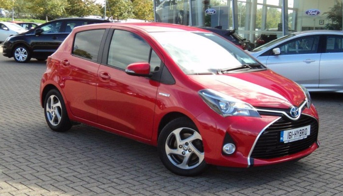 A small car with a big heart - Toyota Yaris Hybrid