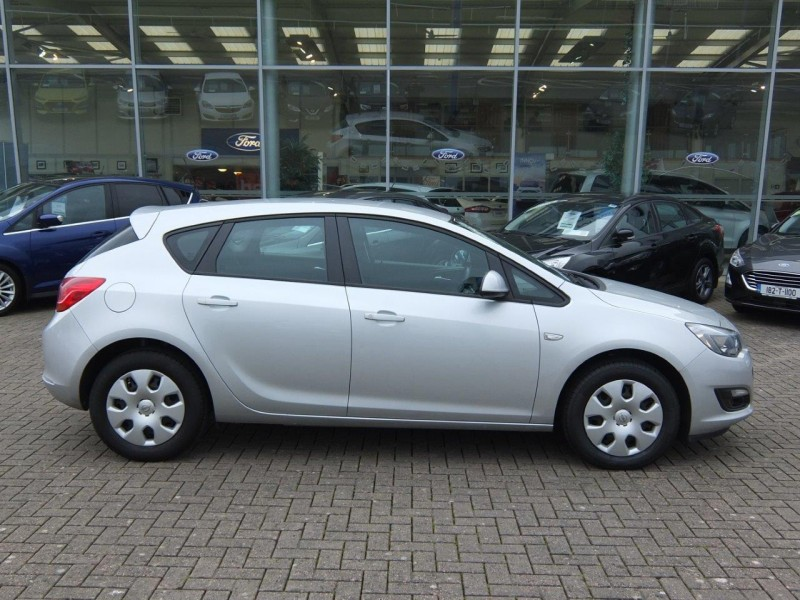 Opel Astra S 1.6CDTI 110PS 5DR ONLY 35,000KM, 1 OWNER, FULL SERVICE HISTORY AND IN EXCELLENT CONDITION