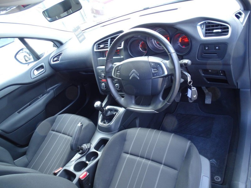 Citroen C4 C4 1.6 HDI TECHNO SPECIAL EDITION LOVELY LOOKING VEHICLE THAT DRIVES SUPERB